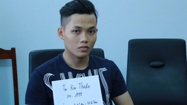 """Bình Dương: Thanh niên 20 tuổi liều lĩnh dùng dao đâm chết """"tình địch"""""""