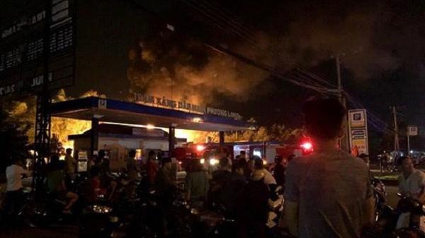 Đồng Nai: Hé lộ nguyên nhân trạm xăng bốc cháy, nổ dữ dội trong đêm
