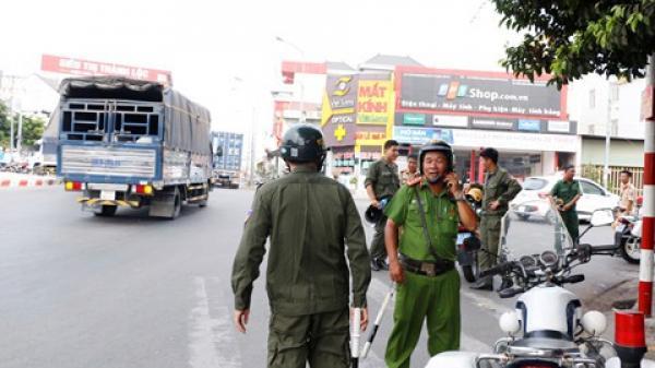 Bình Dương: Kẹt xe hơn 3 giờ, BOT Phú Cường xả trạm 20 phút