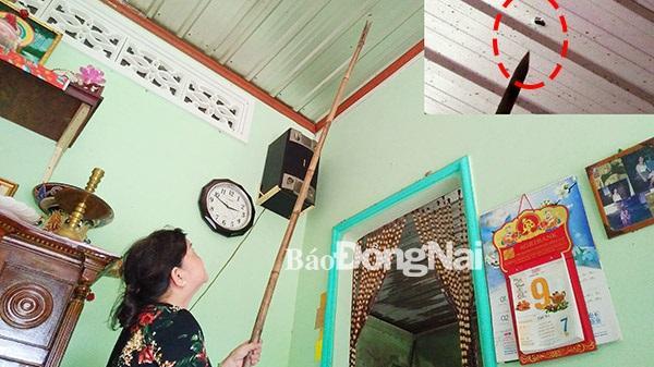 """Người dân Đồng Nai thấp thỏm vì đạn """"lạc"""" vào nhà"""