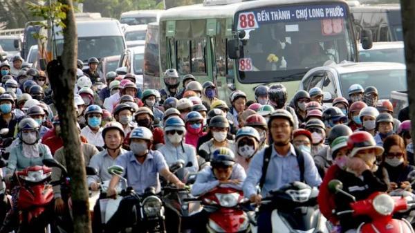 Kinh hoàng cảnh kẹt xe trên mọi ngả đường khu Đông TP HCM