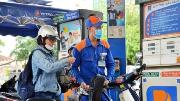 Giá xăng dầu giảm mạnh sau Tết Nguyên đán
