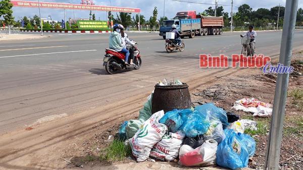 Hớn Quản: Ngay trung tâm cũng rác!