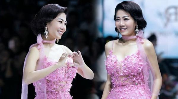 Chiếc váy Mai Phương từng mặc được đấu giá 120 triệu đồng nhưng người mua xin hủy phút chót