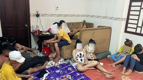 Bình Thuận: 20 thanh niên nam nữ 'bay lắc' trong mùa COVID-19
