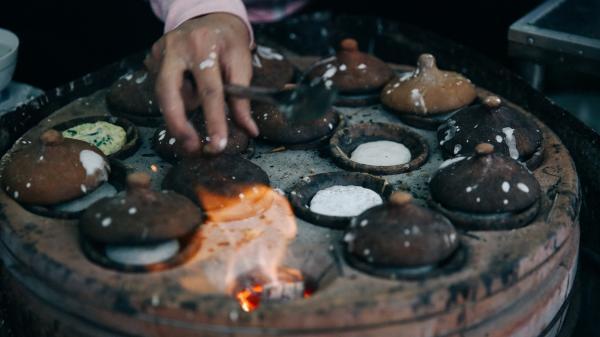 Đến Phan Thiết thưởng thức món bánh căn nước cá đậm đà xứ biển