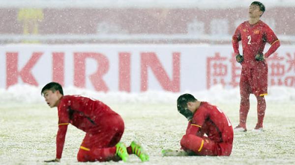 Park Hang-seo quát các cầu thủ U23 Việt Nam: 'Chúng ta không phải cúi đầu'