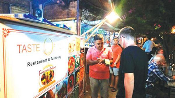 Đêm ở làng ẩm thực xứ biển Bình Thuận