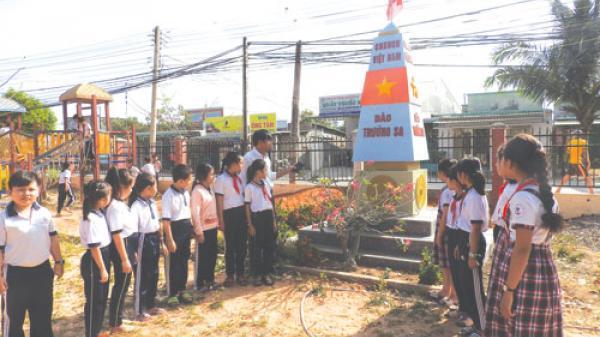Bình Thuận: Dạy học dưới mô hình cột mốc Trường Sa