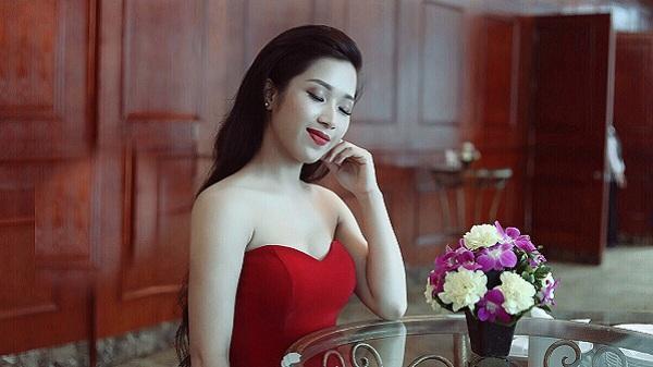 Hành trình từ cô bé nhà nghèo đến 'ngọc nữ Bolero' của cô nàng 9X Bình Thuận