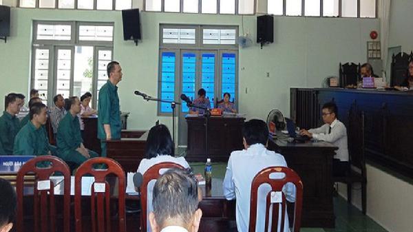 Bình Thuận: Một công ty buôn lậu xăng dầu hơn 2.000 tỉ đồng
