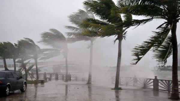 Thời tiết ngày 10-11: Bão số 6 áp sát đất liền, miền Trung cảnh báo mưa lớn