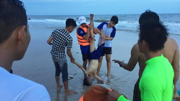 Bình Thuận siết chặt quản lí tại các bãi tắm sau hàng chục người bị c.hết đuối