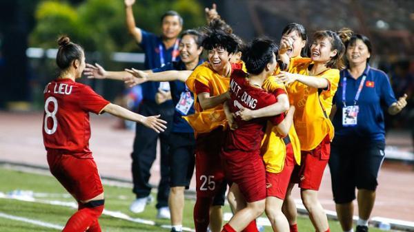 Hàng tỷ đồng tiền mặt, học bổng chờ tuyển nữ Việt Nam vô địch SEA Games 30