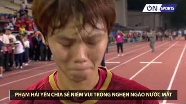 Bà ngoại mất khi đang cùng đồng đội chinh chiến SEA Games, tuyển thủ nữ bóng đá Việt Nam òa khóc vì không kịp về