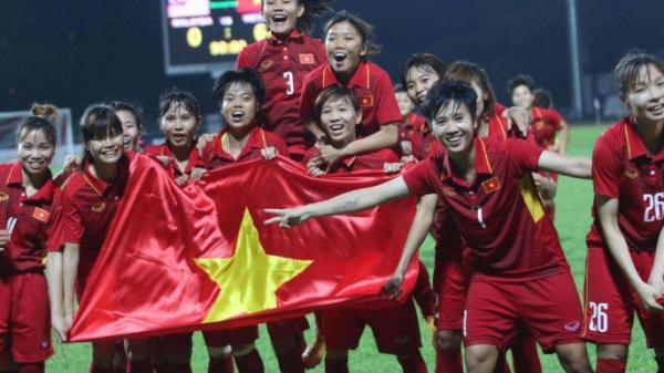 Bóng đá nữ Việt Nam nhận 100 tỷ tiền tài trợ