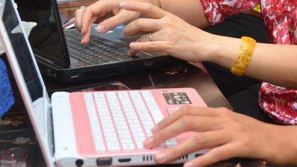 CẢNH BÁO: Phải hủy khớp tay do… gõ bàn phím quá nhiều