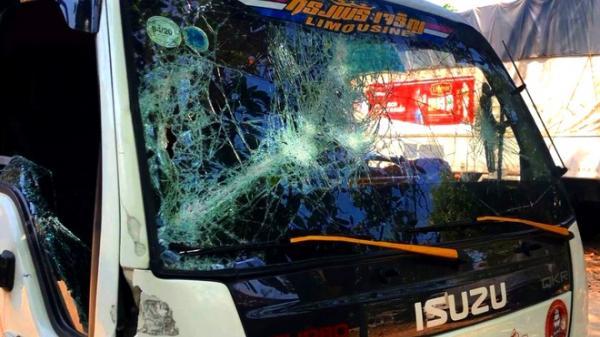 Nhóm thanh niên chặn xe, đập phá trên quốc lộ 1 tỉnh Bình Thuận