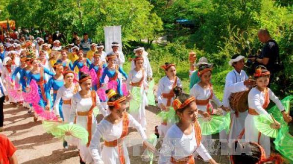 Rộn ràng lễ hội Katê của đồng bào Chăm Bình Thuận