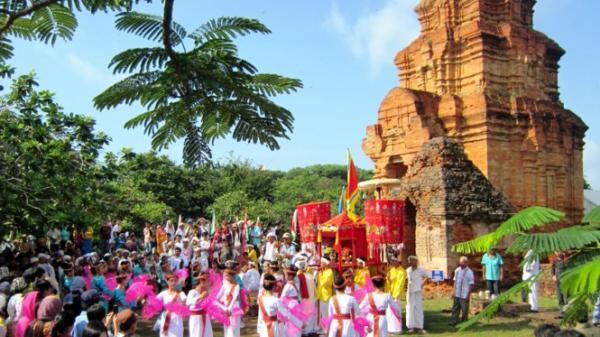 Phan Thiết đông vui với tuần lễ du lịch Bình Thuận 2017