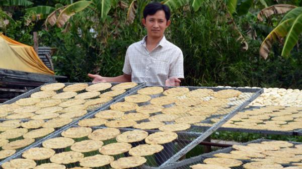 Bí quyết thơm ngon của làng chuối khô 100 năm tuổi ở Cà Mau