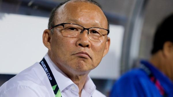 Được khuyên giải nghệ sớm để giữ mãi vinh quang, thầy Park nói 1 câu khiến báo chí Hàn nể phục