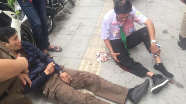 TP.HCM: Taxi Mai Linh t.ông vào gốc cây, tài xế cùng khách nhập viện