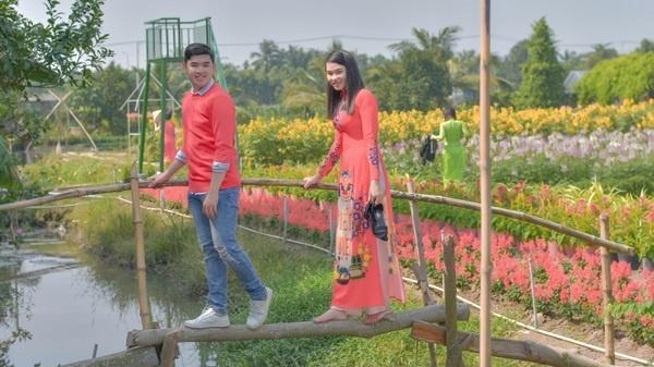 'Bắt sóng' tọa độ cánh đồng hoa chụp ảnh Tết hot nhất Sài Gòn