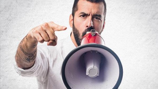 Khoa học chứng minh mối liên hệ giữa dốt nát và 'to mồm'