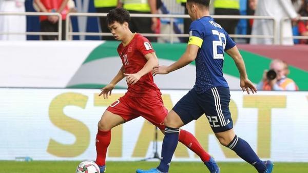Cú lừa bóng đỉnh cao của Công Phượng khi đối đầu cầu thủ Nhật Bản