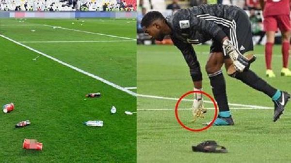 Giàu như UAE: Phi dép, chai lọ chưa hả dạ, CĐV tháo luôn vàng ném vào các cầu thủ Qatar