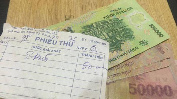 Kỳ lạ như người Sài Gòn, đi uống nước quên 450k tiền thối tưởng đã mất, 2 ngày sau quay lại nhận ngay bất ngờ