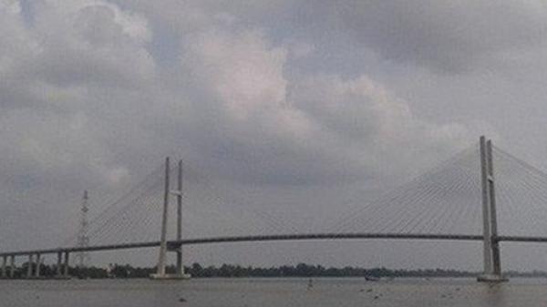 Du học nước ngoài về, nam thanh niên ở TP HCM xuống cầu Cao Lãnh tự t ử
