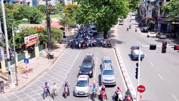 Nắng nóng kinh hoàng tại TP. HCM: Chuyên gia khuyến cáo
