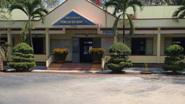 Cán bộ Phòng Giáo dục và Đào tạo bị bắt quả tang tại sòng bạc