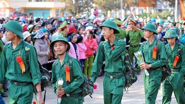Hàng ngàn thanh niên TP.HCM lên đường nhập ngũ