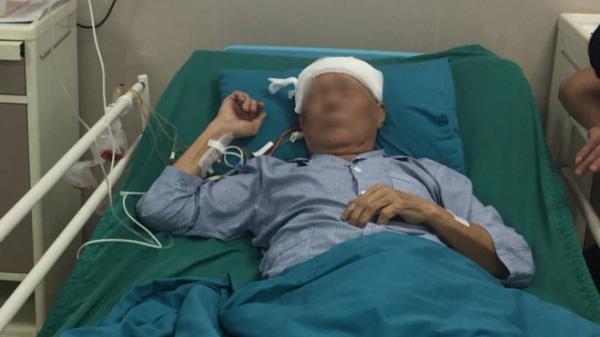Đang phẫu thuật não, cụ ông ở Phú Thọ vẫn 'tám chuyện' với bác sĩ như thường