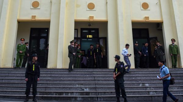 Trăm cảnh sát cơ động bảo vệ phiên xử đường dây đánh bạc nghìn tỷ ở Phú Thọ