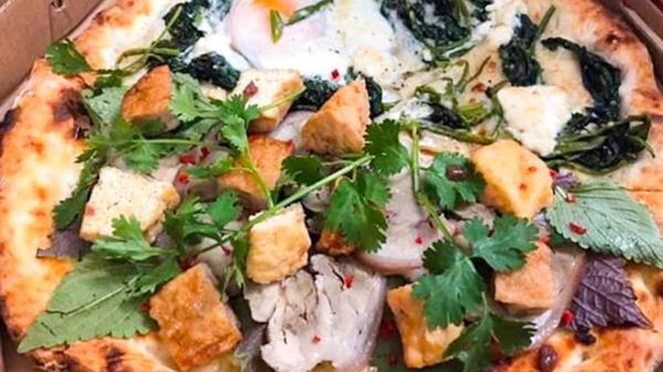 Pizza bún đậu mắm tôm mới xuất hiện ở Sài Gòn - sự kết hợp kỳ quái của ẩm thực đông tây