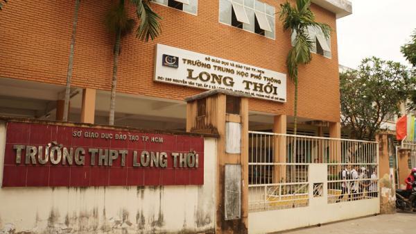 Cô giáo 'không giảng bài suốt ba tháng' ở Sài Gòn ném vở học sinh