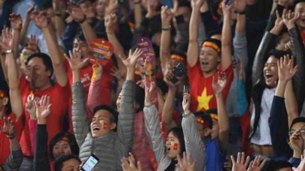 CĐV Sài Gòn vỡ òa với 3 bàn của U23 Việt Nam vào lưới Thái Lan