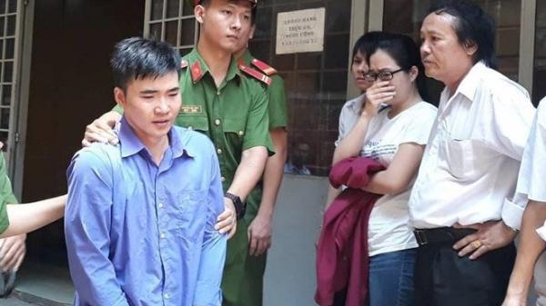 Gia đình la ó phản đối bản án với cựu thầy giáo s.át h.ại vợ sắp cưới ở Sài Gòn