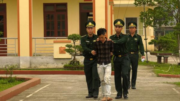 Lào Cai: Bắt đối tượng mua bán trá.i phép hơn 1.000 tép hê-rô-i.n