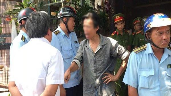 TP.HCM: Bắt chó thả rông không rõ mõm, ông Đoàn Ngọc Hải bị chủ chó chửi, phản ứng