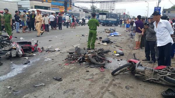 Ngày đầu nghỉ lễ, 16 người chết vì tai nạn giao thông
