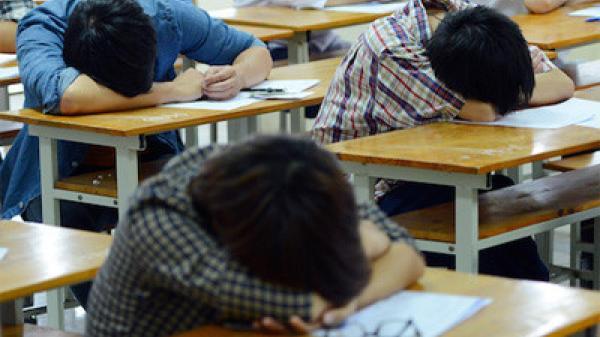 Hàng nghìn sinh viên ở Sài Gòn bị cảnh báo đuổi học