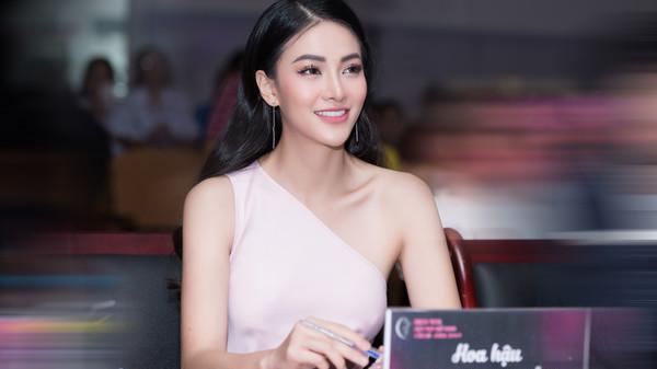 Người đẹp Bến Tre - Miss Earth Phương Khánh lần đầu chia sẻ lý do 'hoa hậu quốc tế nhưng ít khi xuất ngoại'
