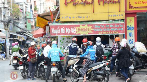 """Sài Gòn: những hàng quán bình dân vỉa hè nổi tiếng về sự... """"chảnh"""" nhưng lạ thay vẫn luôn mua may bán đắt"""