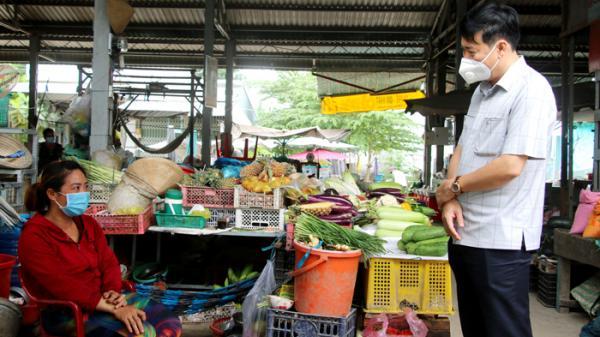 Kiểm tra phòng, chống dịch Covid-19 tại các chợ ở thành phố Hồng Ngự