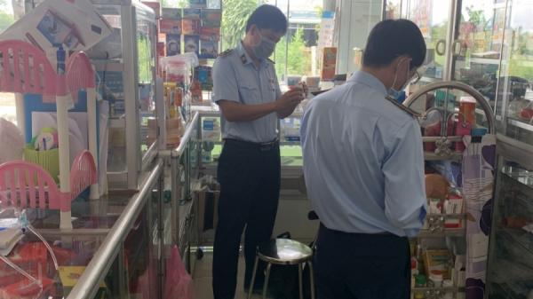 Vĩnh Long: Phát hiện một quầy thuốc bán thuốc tây đã hết hạn sử dụng